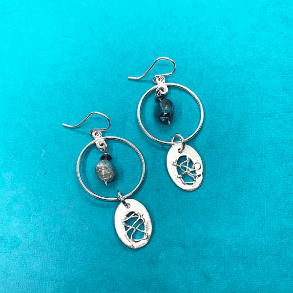 nest oval Earring with zircon