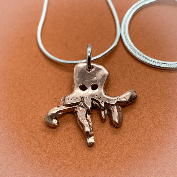 copper octopus pendent detail