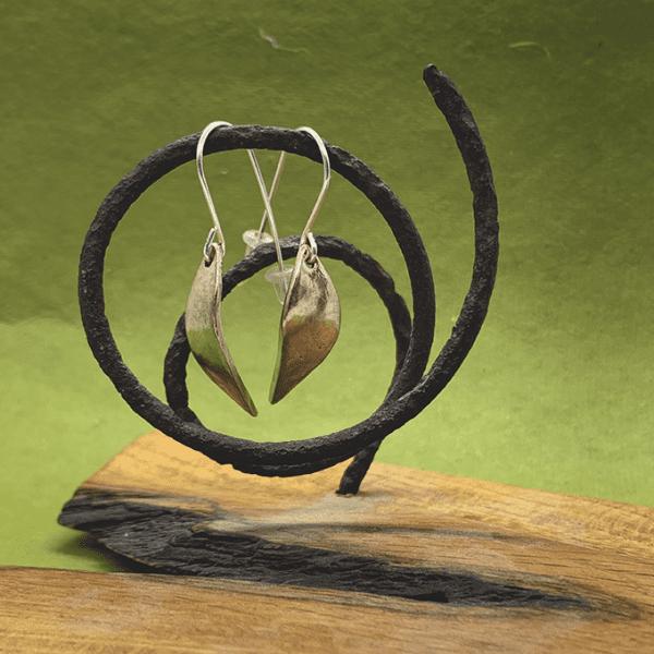 leaf earrings, Bronze