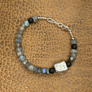 Pebble Bracelet with pewter and labradorite